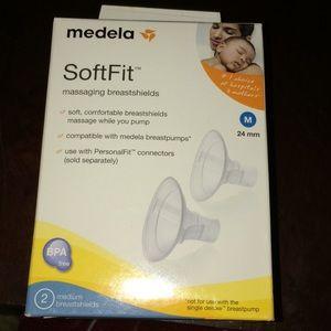 Madela Softfit massaging breastshields M 24mm